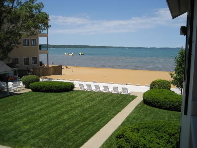 accommodation in traverse city