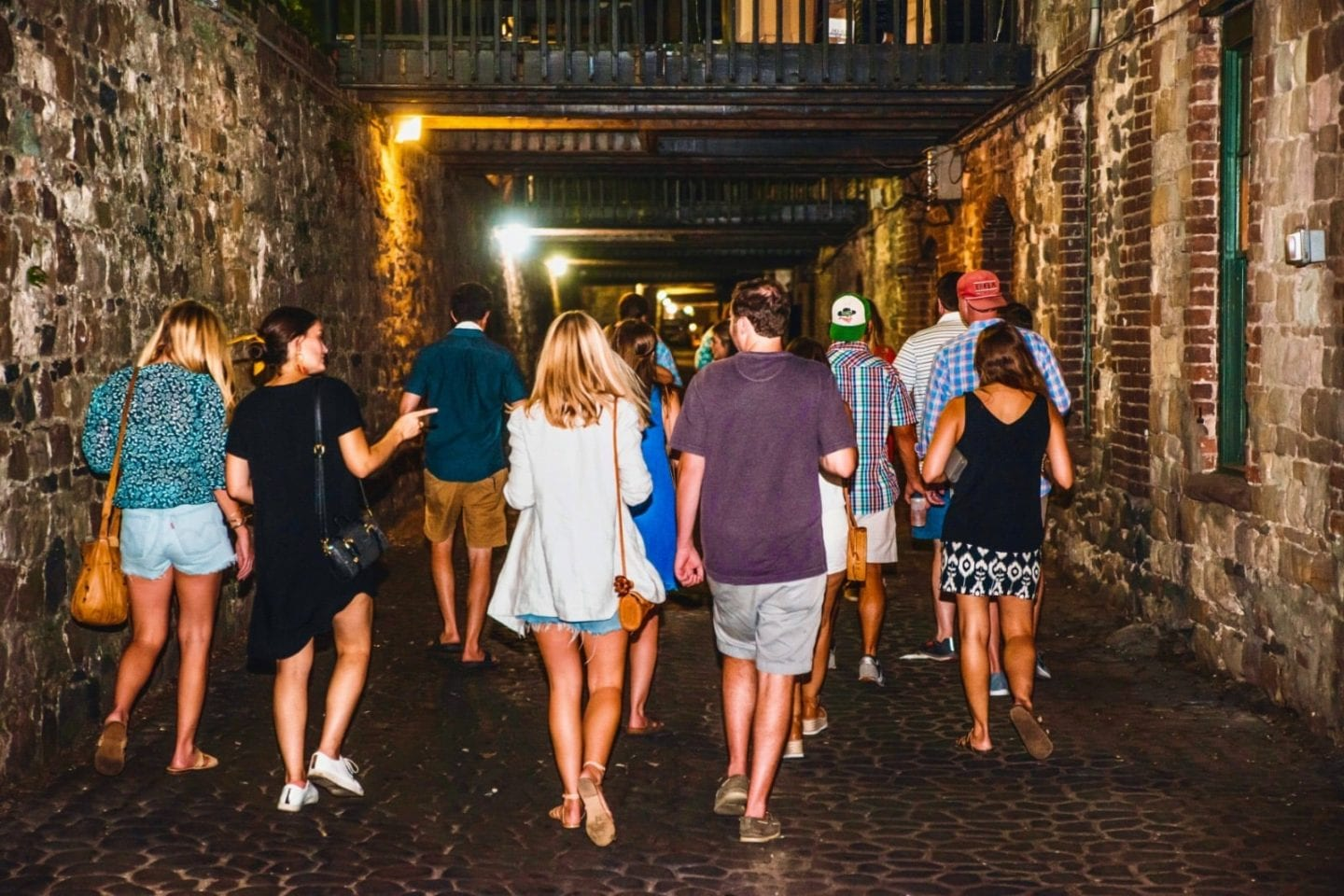 things to do in savannah ghost tour